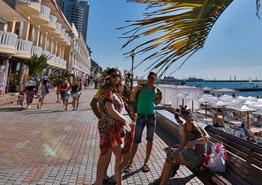 Туристов в Сочи меньше, а что с ценами?