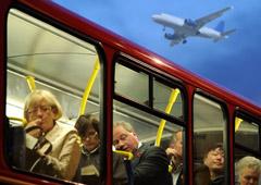 Туристы вернулись домой на автобусе вместо самолета