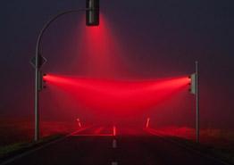 Ковидным паспортам для туристов пока включают красный свет