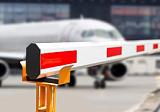 Шлагбаум опущен: Грузопассажирские рейсы – не для туристов