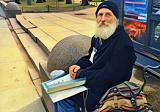 Прогулки по Питеру с бездомным набирают популярность